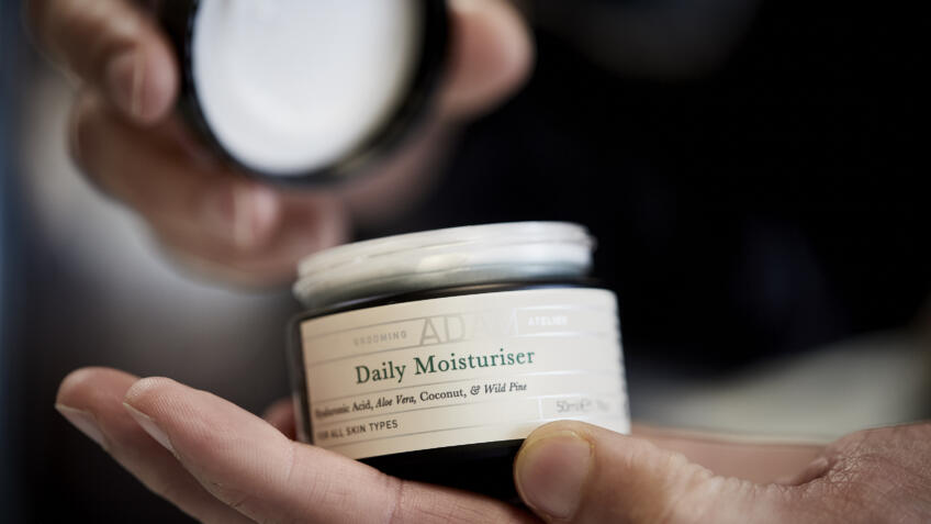 Everything you need to know about using moisturiser